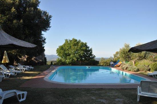Villa Tatti: Pool view