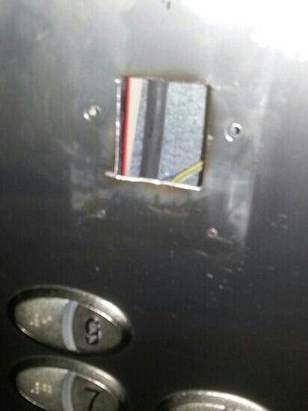 abba Granada Hotel: ascensore rotto