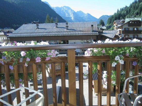 Hotel Ariston : Altra veduta dal balcone