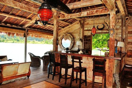 Ratua Private Island: Private Entertainment Area and Bar