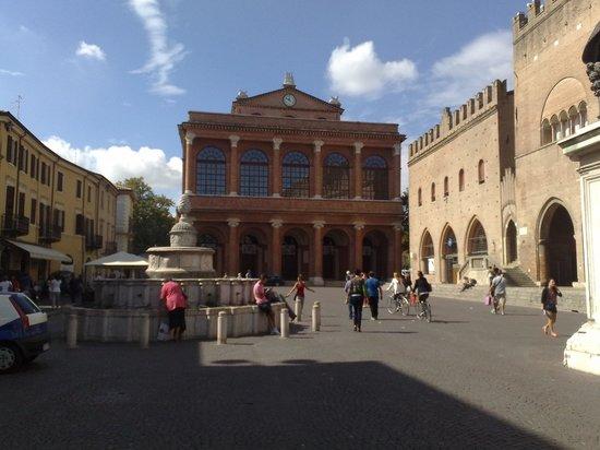The Tiberius Bridge : piazza centro storico