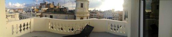 Melia Plaza: Blick vom Zimmer auf den Balkon