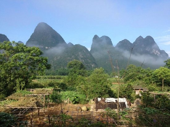 Ecofarm Lodge: Amazing karst mountain around
