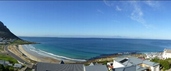 Simonstown Guest House: View from Simonstown Guesthouse on Sunny Day