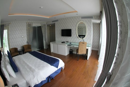 Church Boutique Hotel Hang Gai : Suite 3