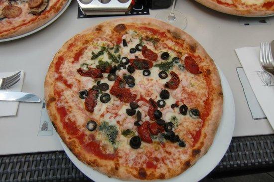 AH Braeu: Pizza