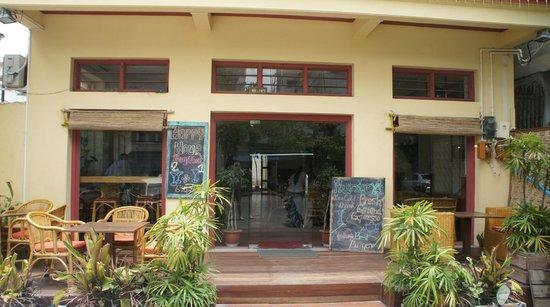 Hunter's Cafe & Bar