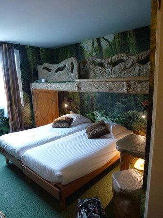 Hotel Jules Verne Premium: lit parent
