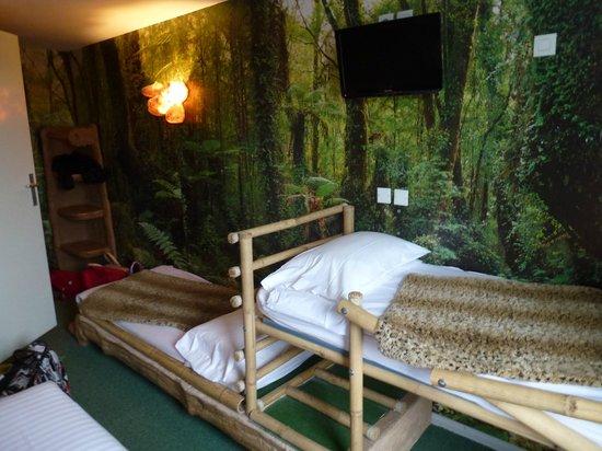 Hotel Jules Verne Premium: lit enfant