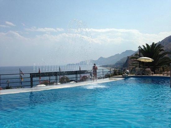 Baia Taormina-Grand Palace Hotel & Spa: Pool