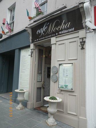 Cafe Mocha: The exterior!!