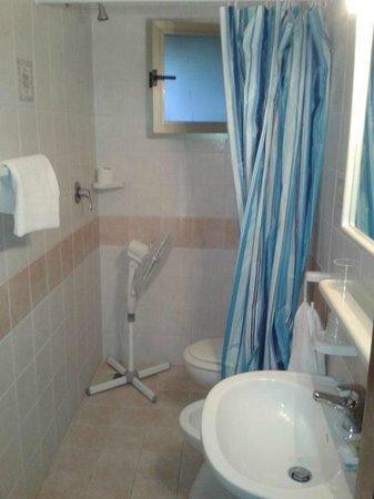 Hotel Bellavista: bagno senza piatto doccia