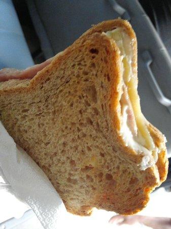 The Strand : 다음날 조식 못먹는 대신 포장해준 햄치즈 샌드위치!!