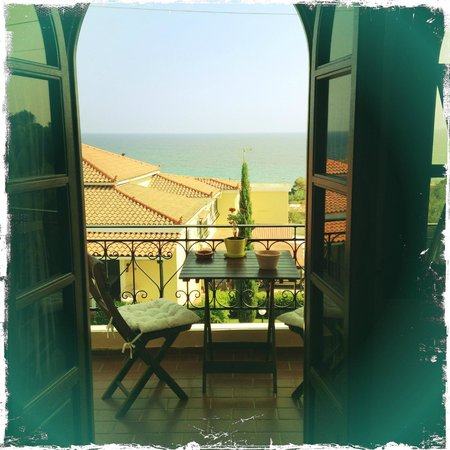 Amboula Beach Apartments: out to balcony