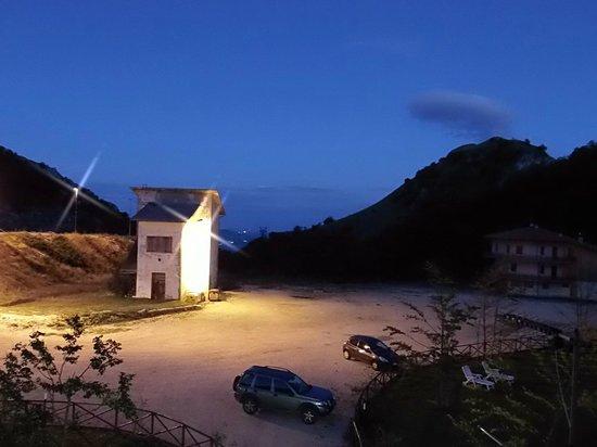 La Sibilla Parco Hotel : l'ora blu dalla sibilia parco hotel