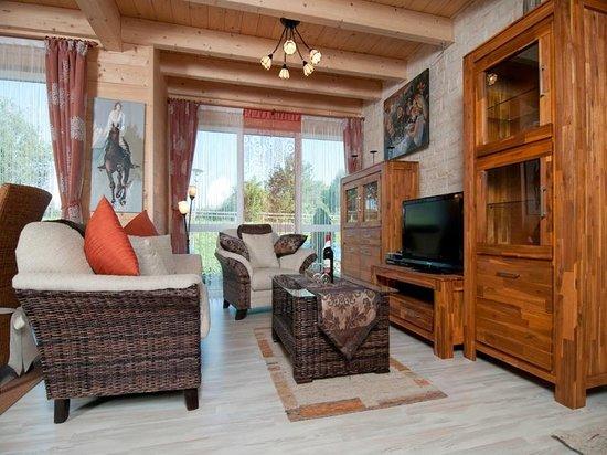Appartements-Pension ERNA: Wohnzimmer Seehaus