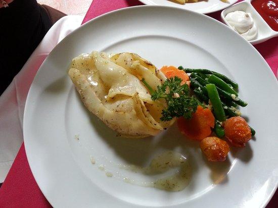 La Rouge Restaurant & Bar: Calamari