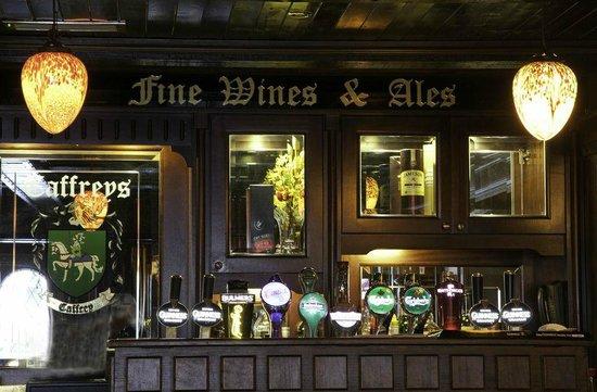 Caffrey's of Batterstown: Bar in restaurant