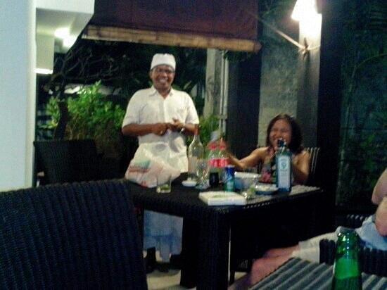 Legian Guest House Bali: le boss pour black moon