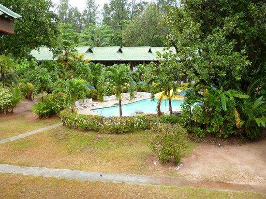 Acajou Beach Resort: From the balcony onto the pool