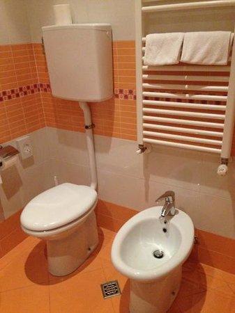 Hotel Residence & Suite: туалет