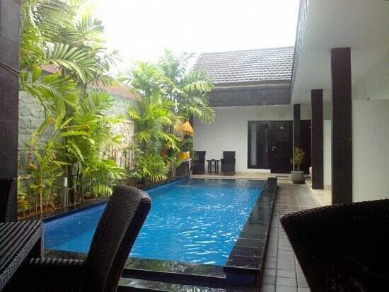 Legian Guest House Bali: la piscine