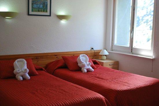Hotel Roc de Sant Miquel: twin room