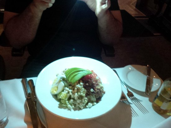 Pinot Brasserie: Cob salad - massive