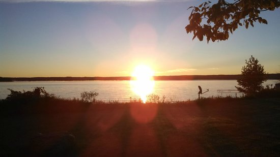 Lake Skegemog Resort : Sunrise at Lake Skegemog