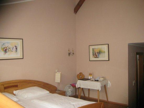 Altstadthotel Kasererbraeu: interno camera