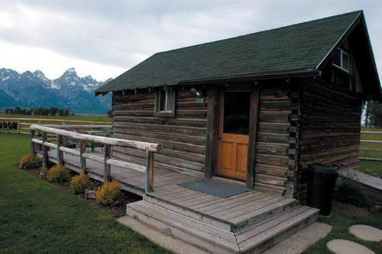 Moulton Ranch Cabins: Our amazing cabin - the bunkhouse - you get a sneak peek of the view