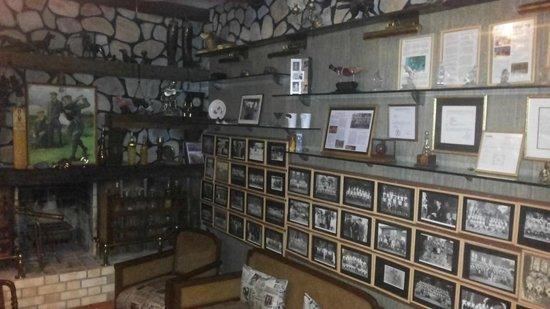 Vishranti - A Doon Valley Jungle Retreat: The Holdy's Pub, Splendid collection