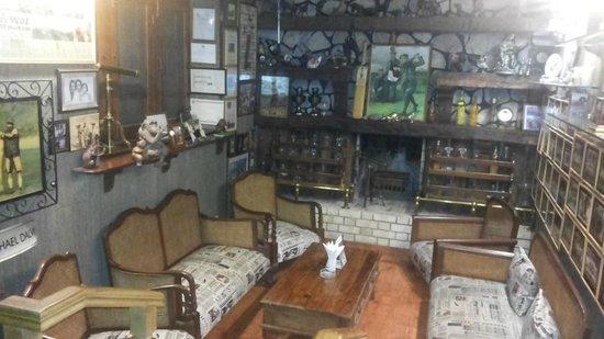 Vishranti - A Doon Valley Jungle Retreat: The Hold's Pub, Splendid collection