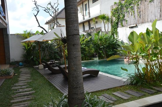Balcony Living: piscinaa