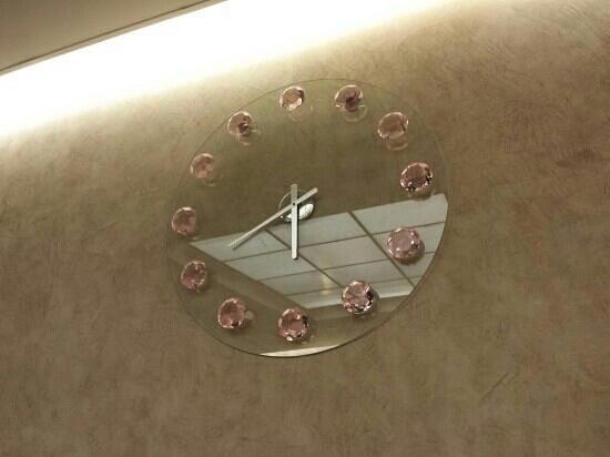 Le Concept: Horloge design :-)