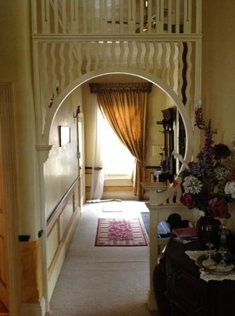 Alice's Cottages and Spa Hideaways : view from the front door