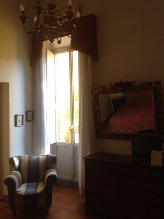 Hotel Annalena: door to loggia