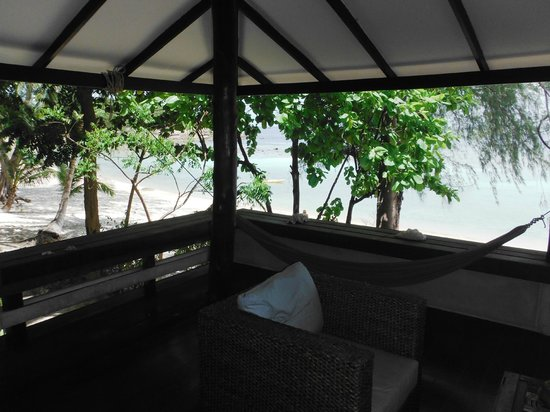 Ocean View Beach Resort : View from the tropical beach bungalow