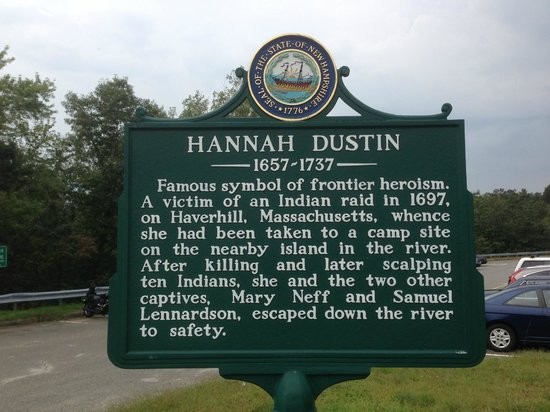 Hannah Duston Memorial Historic Site: in parking lot on side of highway