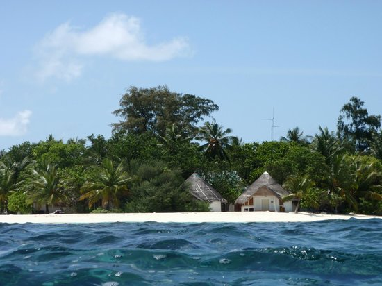 Bathala Island: Bathala Bungalows
