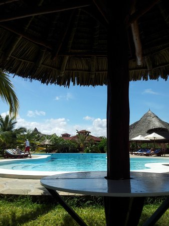 Crystal Bay Resort: piscina