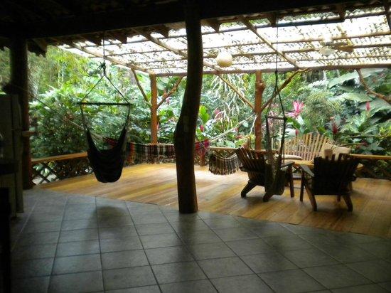 Casa Moabi: salon/patio