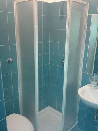 Pensione Ottaviano: Privit bathroom.