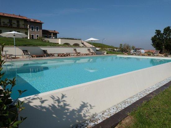 Piscine foto di prime alture wine resort casteggio for Piscine wine