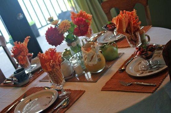 Willow Guest House: Der Frühstückstisch am ersten Tag
