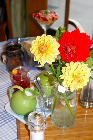 Willow Guest House: Der Frühstückstisch am zweiten Tag