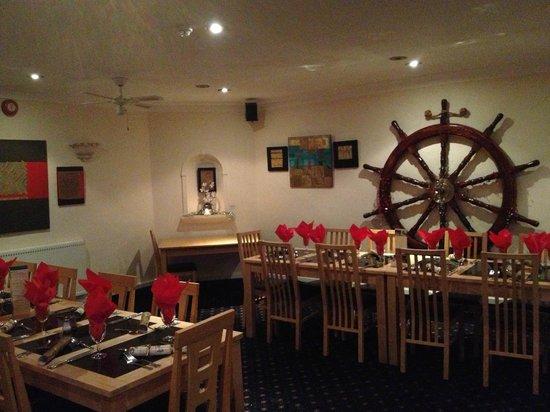 Marine Bar & Restaurant: Marine Bar