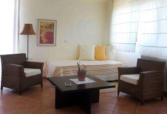 Hotel Rex: Bedroom corner