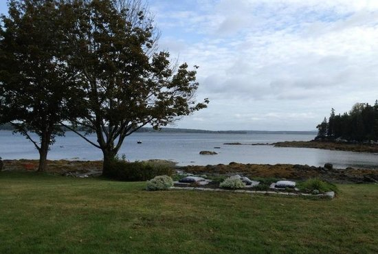 Edgewater Motel & Cottages : morning view of Salisbury Cove