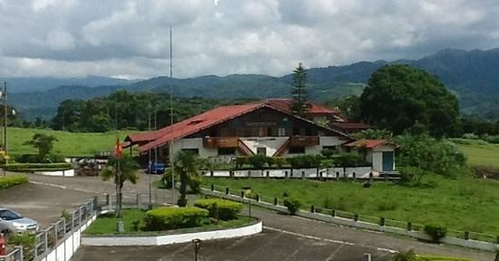 Hotel Los Heroes: La Pequeña Suiza, in the middle of Costa Rica!
